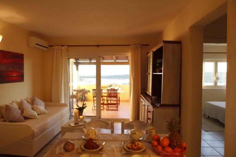 Baia de Bahas-T6- Living room 4