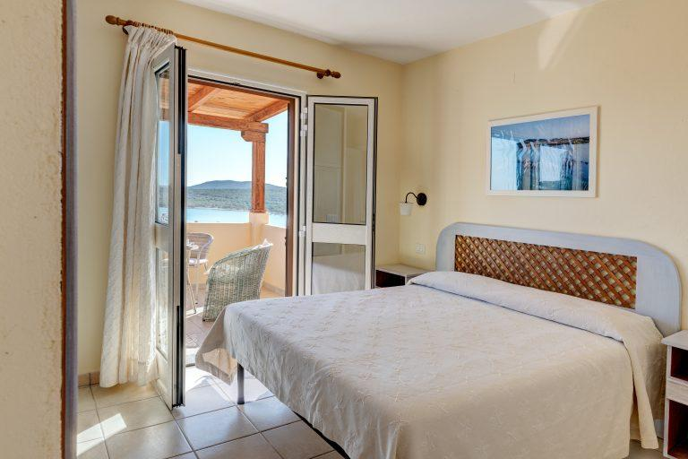 Baia_de_Bahas_Bedroom L