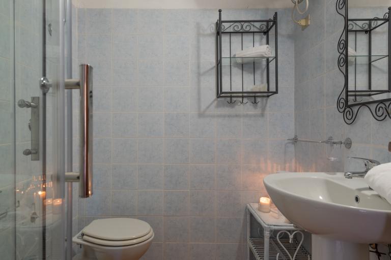 Bilo Standard CSB2 Bathroom 1