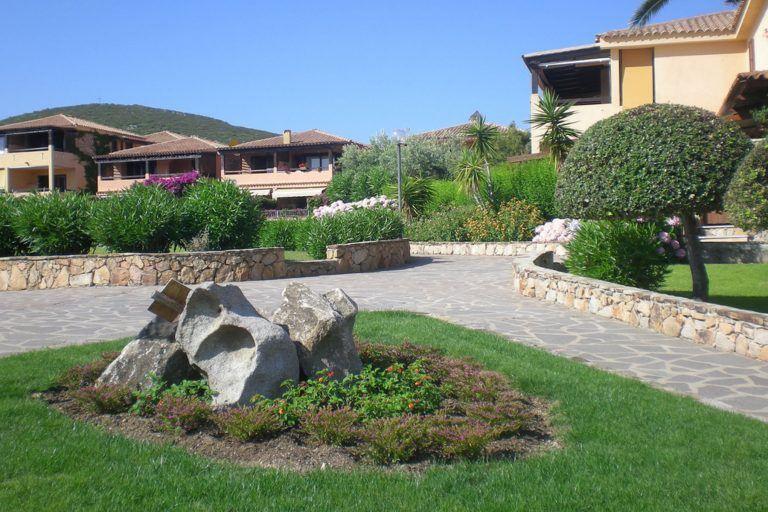 residence-baia-de-bahas-giardino-1