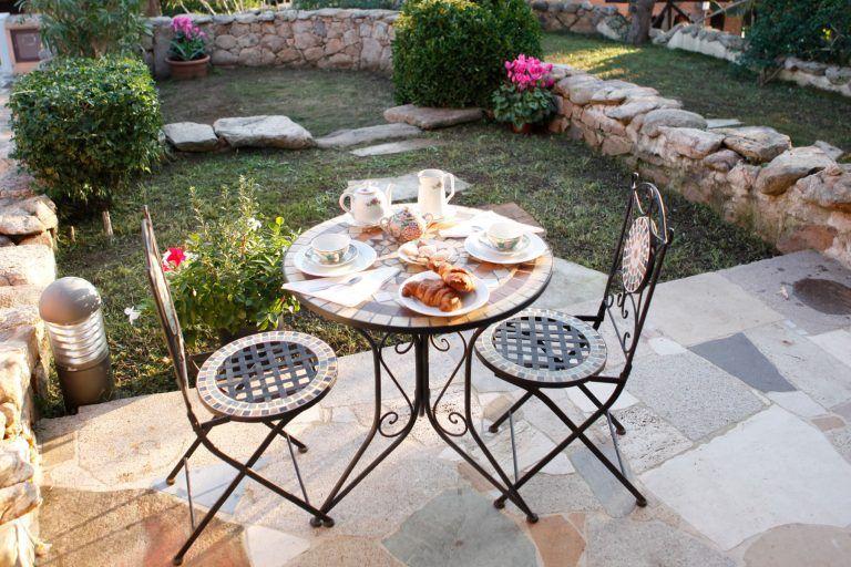 residence-baia-de-bahas-mono-veranda-colazione-1