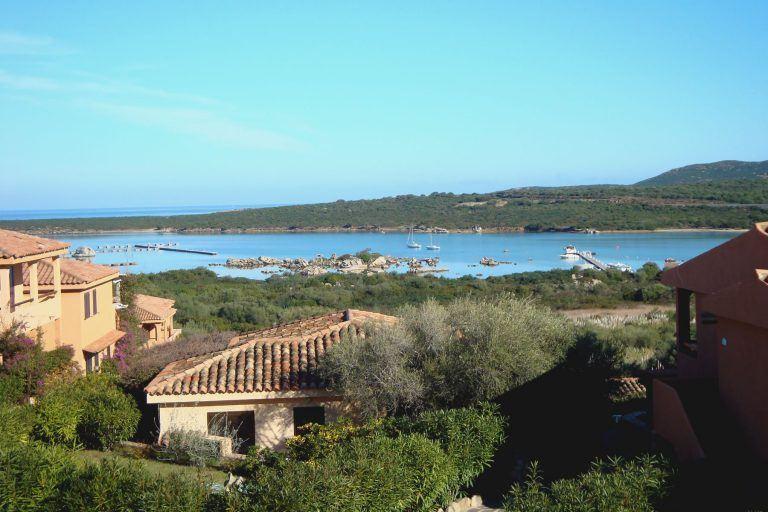 residence-baia-de-bahas-panorama-golfo-marinella-1