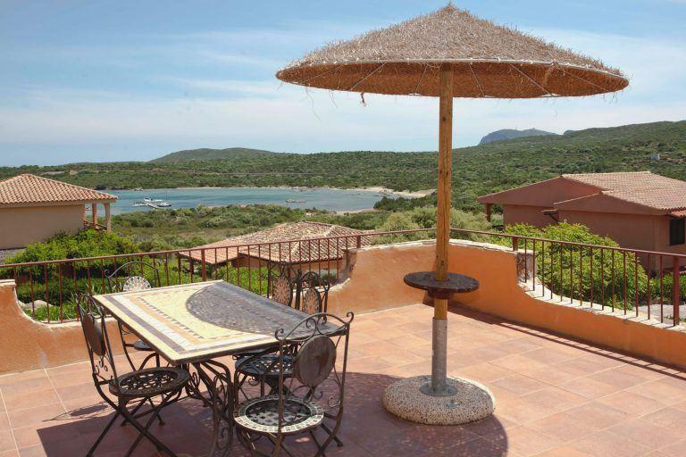residence-baia-de-bahas-panorama-golfo-marinella-2