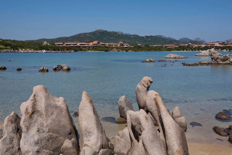 residence-baia-de-bahas-spiaggia-golfo-marinella-2