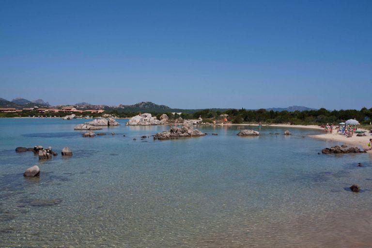 residence-baia-de-bahas-spiaggia-golfo-marinella-4